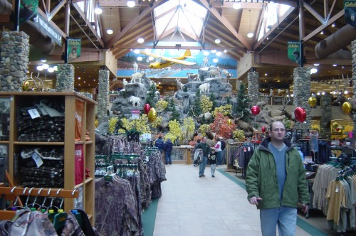 We've come to the Ultimate Men's Playland!  CABELA'S!